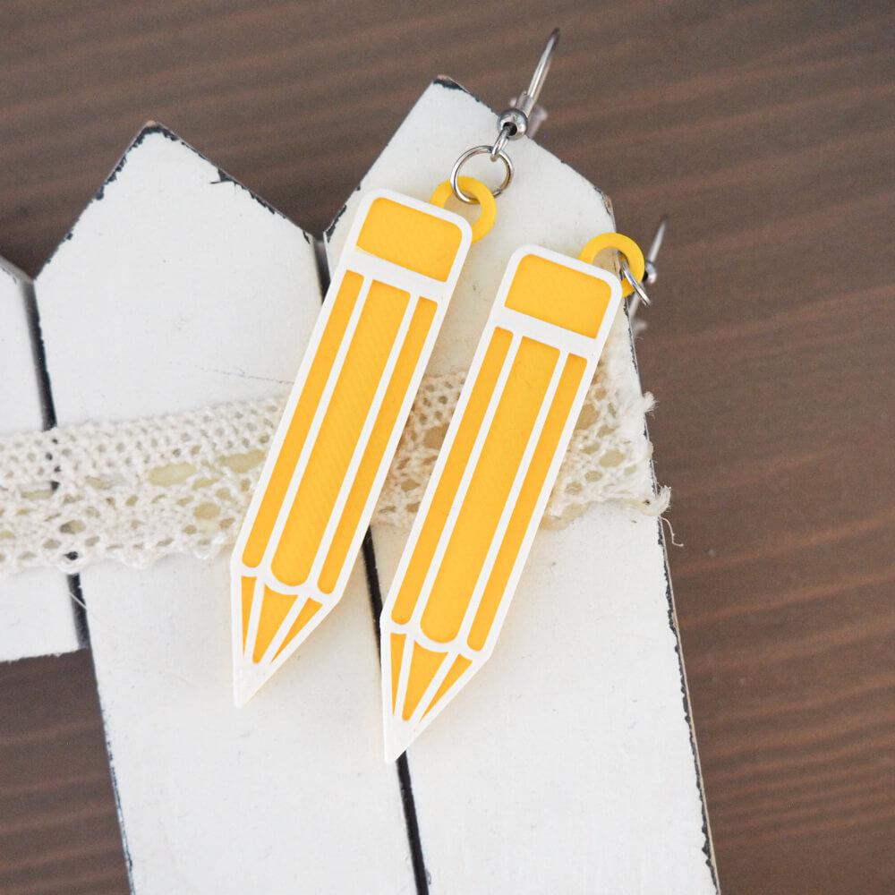 náušnice tužky pro copywriterku nebo uřitelku